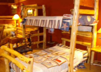 Bed-Full under,Twin top Bunk Cedar