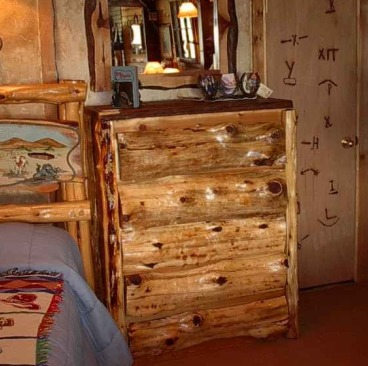 Chest of Drawers.Log.Front.5.Drawers