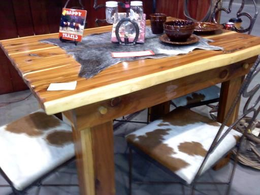 Dining Table Cedar 4 Rebar Chairs With Cowhide Seats