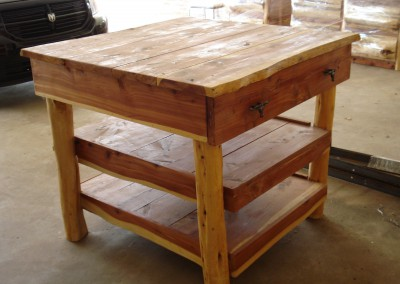 Kitchen Island-Cedar-1 Drawer, 2 Shelves
