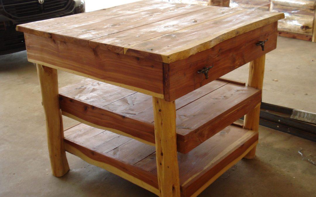 Kitchen Island-Cedar-1 Drawer, 2 Shelves