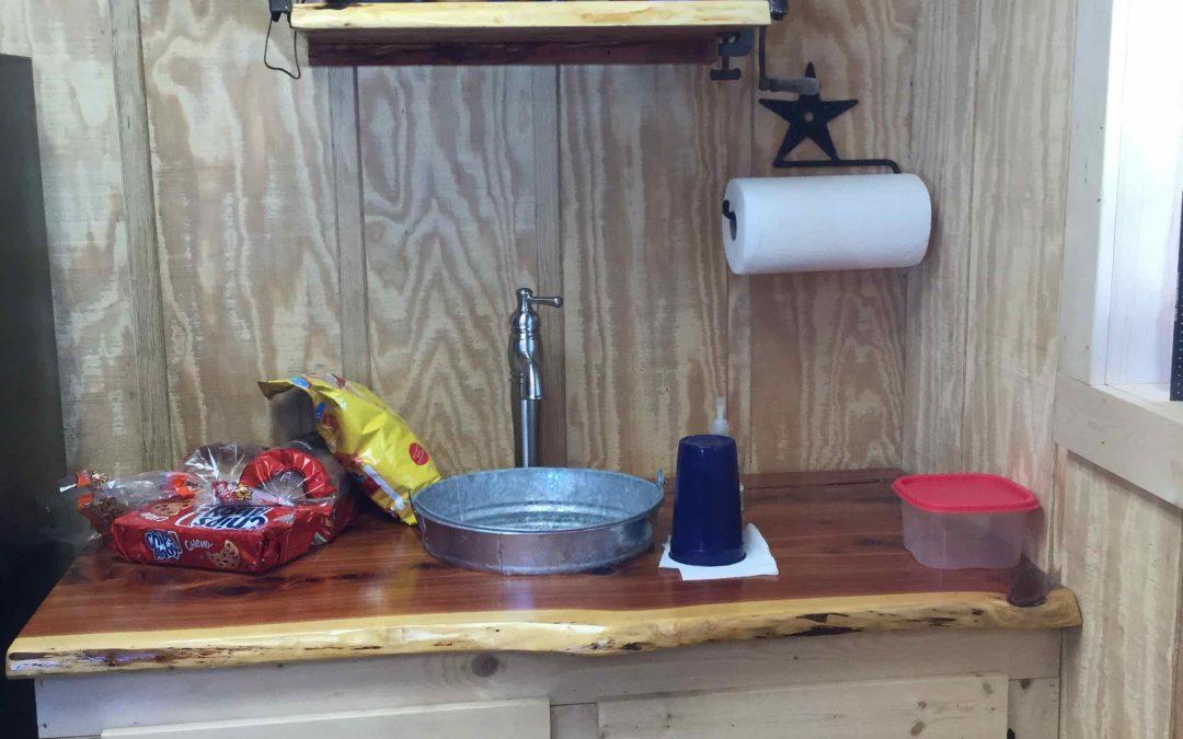 Western Mini-Kitchen Counter